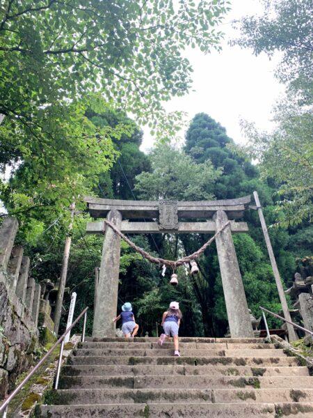 【子連れ阿蘇・唐津】②神秘的な上色見熊野座神社と月廻り公園の1㎞ゴーカード!